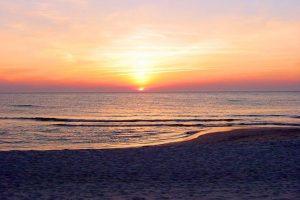 Białogóra - zachód słońca nad morzem.